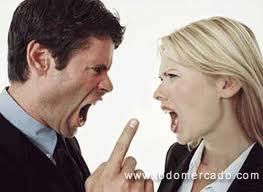 divorcio pareja gritando